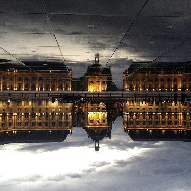 Place de La Bourse, et son miroir d'eau - Emblème Bordelais